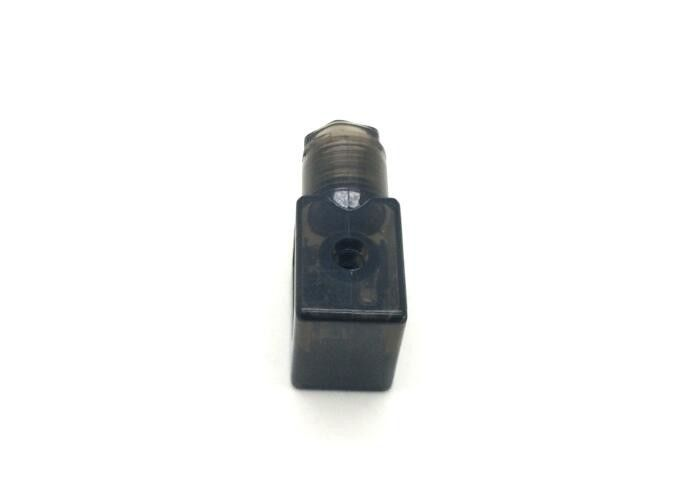 High Precision Din Connectors For Solenoid Valves Light Green Color Plug Lead Type