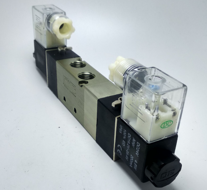 Exhaust Double Pilot Head Air Cylinder Valve / Solenoid Pneumatic Valve 4V230-08